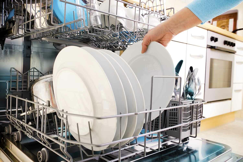 Топ-5 советов правильного мытья посуды в посудомоечной машине